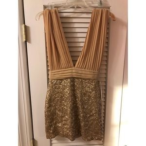 ✨✨NWT Jones and Jones Gold Sequined Party Dress